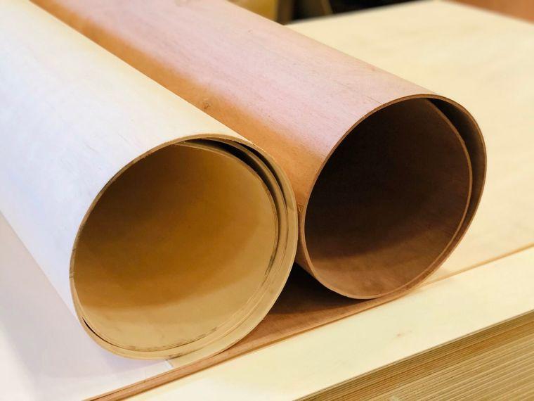 ไม้อัดดัดโค้งได้ ในรัศมีแคบสุด 8 ซม. จากเข็มทิศ ตัวเลือกสำหรับนักออกแบบ และเจ้าของบริษัทบิวท์อิน ภาพประกอบ
