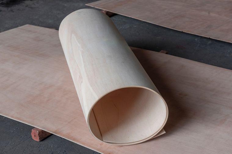 """""""ไม้อัดดัดโค้ง"""" ที่การันตีคุณภาพได้ ผ่านทดสอบความคงทนในห้องแล็บก่อนออกจำหน่าย ภาพประกอบ"""