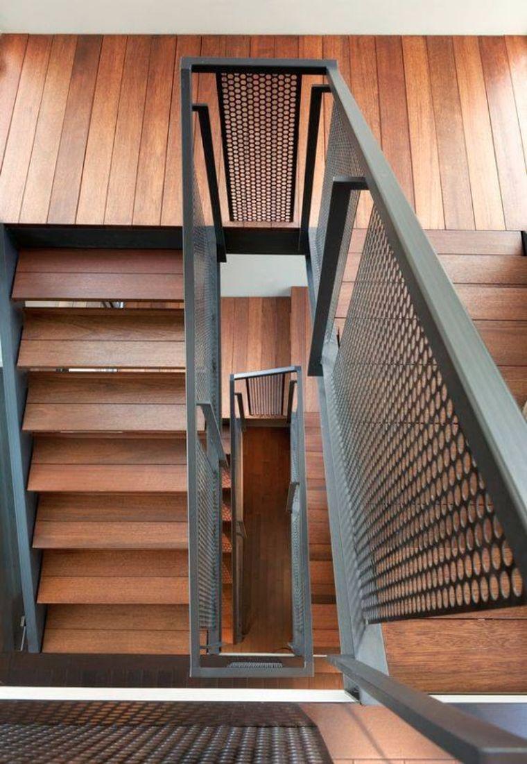 ประเภท โครงสร้างบันได ในบ้านรูปแบบต่าง ๆ ข้อดีและข้อเสีย